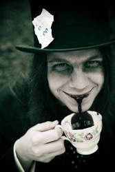 alice5-the mad hatter by ClickClickBangUK