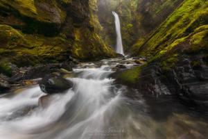 Wells Creek Falls by LAlight