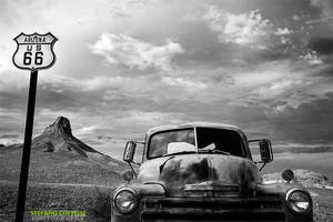 Old Car on Route 66 by Stefano-Coltelli