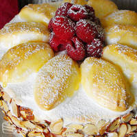 Custard Meringue Gateau by cakecrumbs