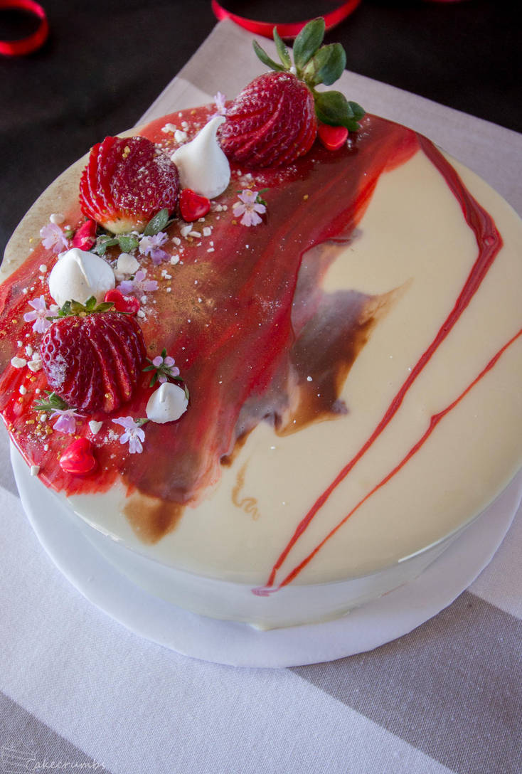 Strawberry and Choc Hazelnut Entremet by cakecrumbs