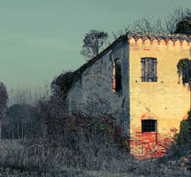 The Lonely House by marjol3in1977