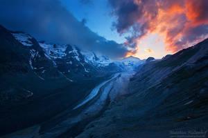 Glacier Sunset by MatthiasHaltenhof