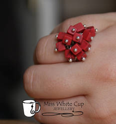 ring: red bunch by Margotka