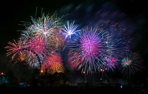 Fireworks 4 by DaXXe