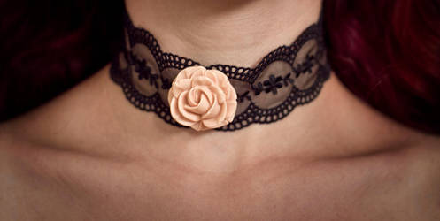 necklace - rose on the lace by Sizhiven