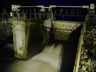 Dam At Night by electricjonny