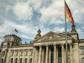 The Reichstag by LuispicardLS