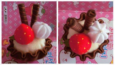 VANILLA CHOCO CUPCAKE by Shiroyi