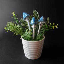 Bright Blue Shrooms by falauke