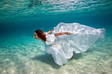 Runaway Bride by SachaKalis