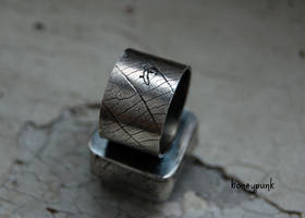 sterling silver ring with quartz by honeypunk by honeypunk
