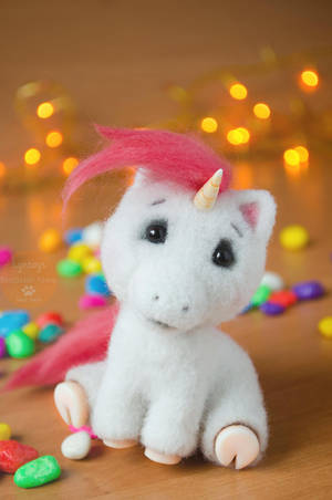 Unicorn named Bella, miniature by Lyntoys