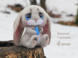 Leveret Lou needle felting toy by Lyntoys