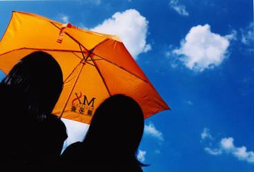Orange Umbrella by amagawa