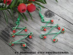 Wire Christmas tree earrings by DombiHugi