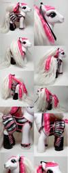 Shirokumo corset pony by Woosie