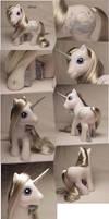 Silver custom pony by Woosie