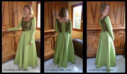 Robe Fiona 2 by Falang