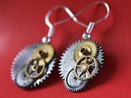 Steampunk earrings by Itti