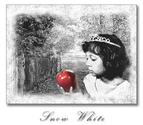 Snow White... by lilackitty