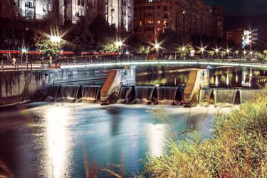 Bucharest night by elizarosca