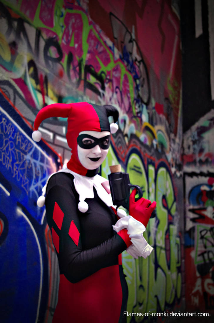 Harley Quinn by flames-of-monki