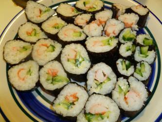 homemade sushi by brokenkaizer