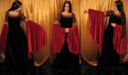 the arwen 'dying' dress by aelthwyn