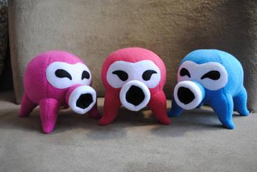 Octorok plushies by Eyes5