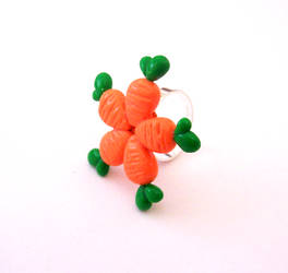 5 Carrot Ring by SeaOfCreations