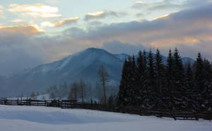 Tihuta Pass by LoneEarthling