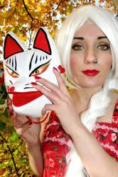 A Kitsunes eyes by kitsune89