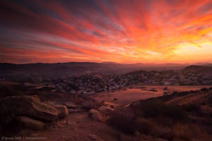 Sunset over the valley by isotophoto