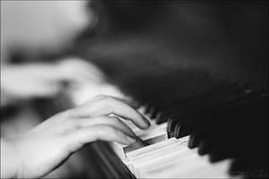 La Pianiste by olivier-colas