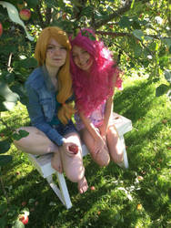Applejack and Pinkie Pie by ThePonyOfTheSea