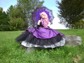 Luka Vocaloid Cosplay by SaetonChapelle