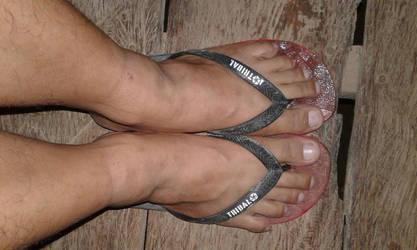 Flip flops of a giant by Tinybr