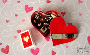 Miniature Valentine's day box with chocolates by EmisBakery