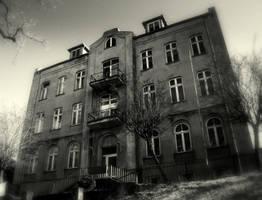 IMG_2883.House by CanisLupusMoon