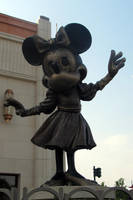 Minnie statue by MysteriousMaemi