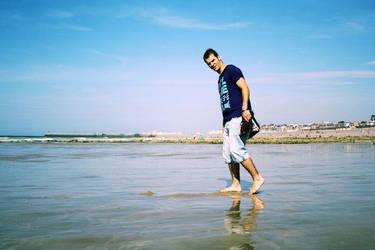 Jeremie on the beach by GnAkK