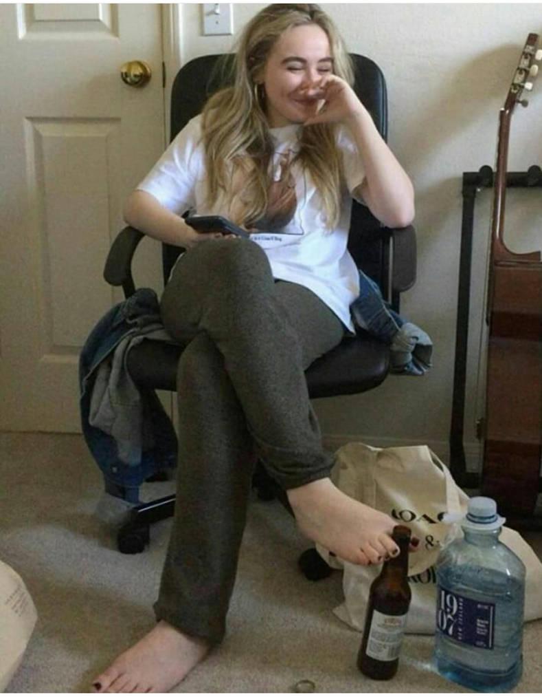 Feet Sabrina Carpenter nude photos 2019