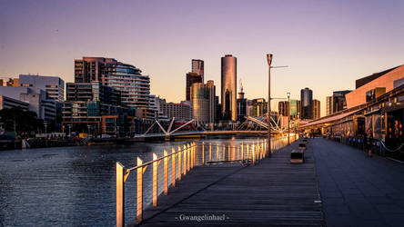 Sunset over Melbourne CBD by Gwangelinhael