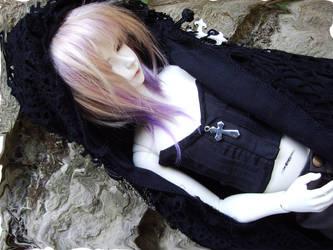 Laurel in black by Tabatrix