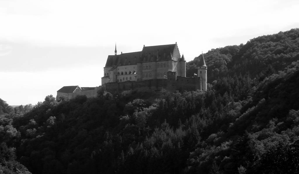 Vianden Castle by maradong