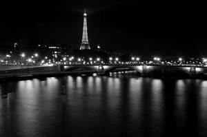 Seine on bulb II by dbroglin