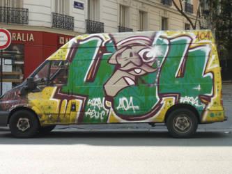graffiti car - Paris by HedgehogTiger