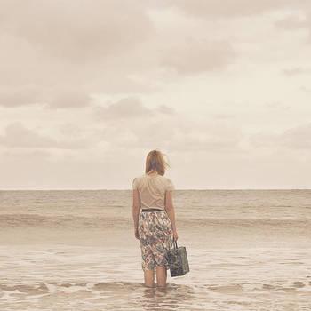 into the sea by aimeelikestotakepics