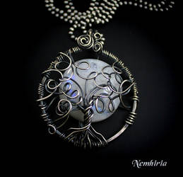 Moonlight Shadow by Nemhiria